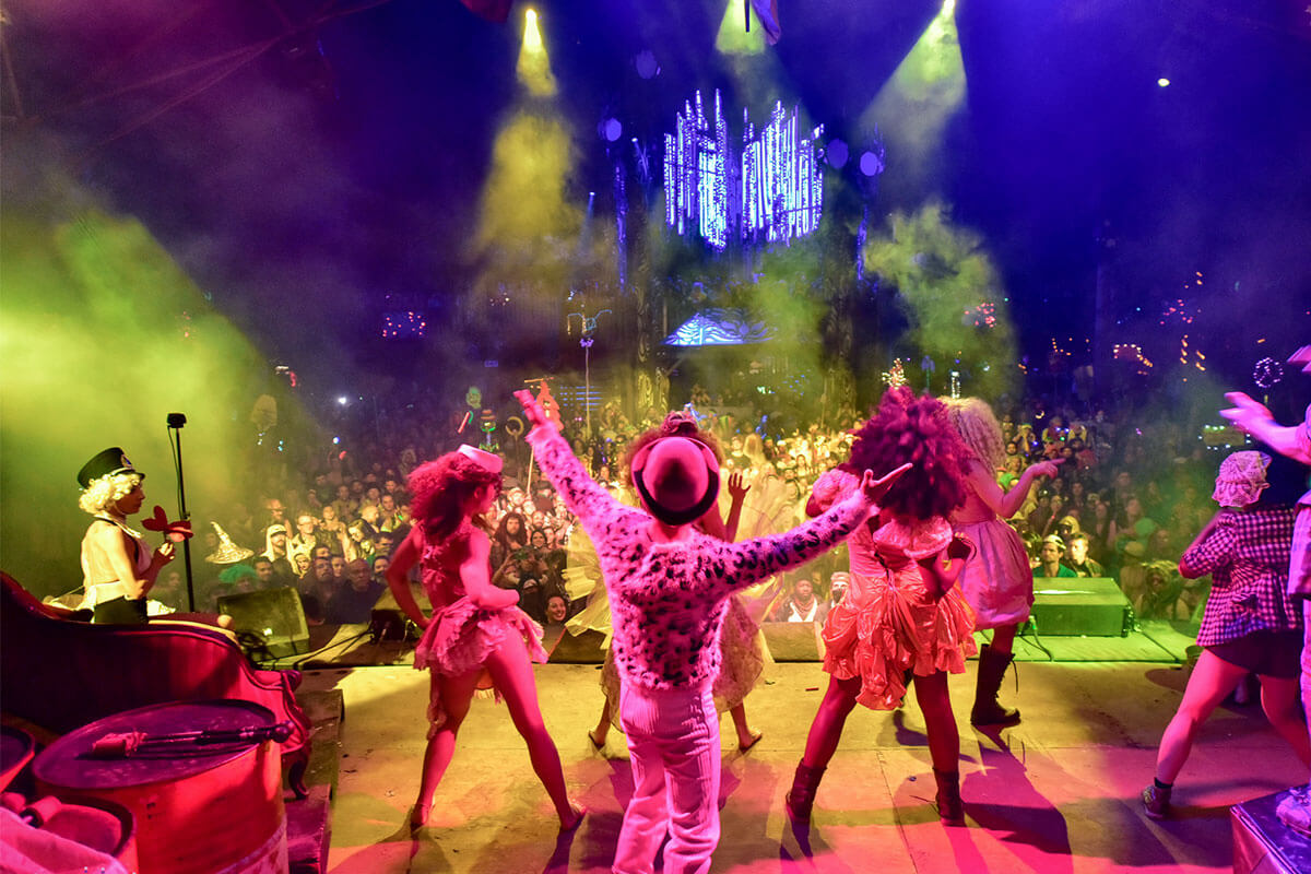 Attractions and Performance Art